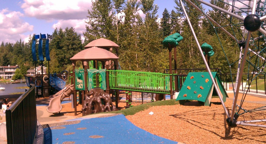 Things To Do in Kent for Kids: Climb, play and discover at the playground at Lake Meridian Park