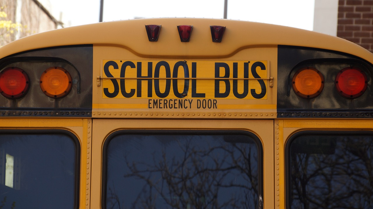 Kent Police Arrest Two Youth for Threatening School Bus Driver