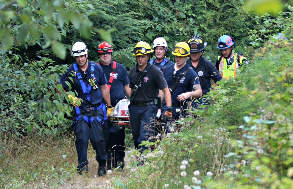 Woman Who Fell from Trail Above Green River Rescued by Rope Teams