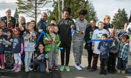 Seahawks' Griffin twins dedicate new playground equipment in Kent