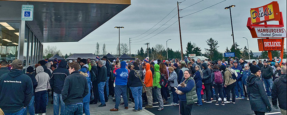 VIDEO: Hundreds attend festive grand opening of new Dick's Drive-In