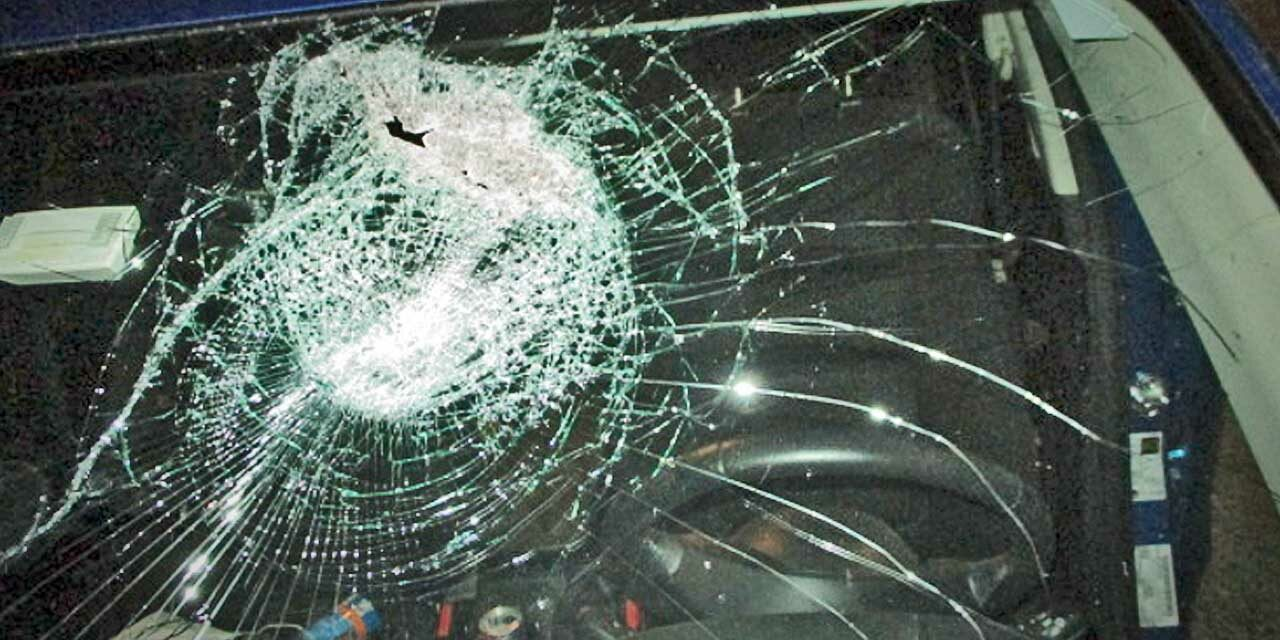 Suspect arrested for throwing rocks at vehicles on I-5 at S. 272nd